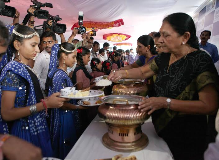 Akshay patra facility inauguration by Anandiben