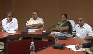 Anandiben meeting Disaster Management Team