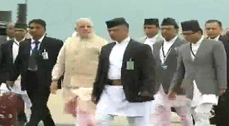 Nepal PM Narendra Modi being received by Sushil Koirala