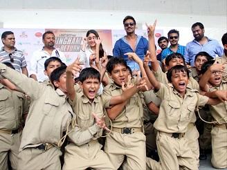 Singham Returns promotion Ajay and Kareena at school in Ahmedabad