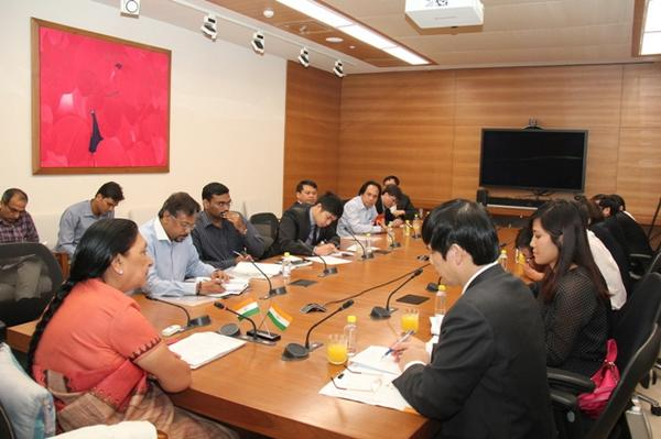 Vietnamese delegation meets Gujarat Chief Minister