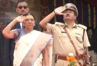 flag unfurled by Anandiben at Patan