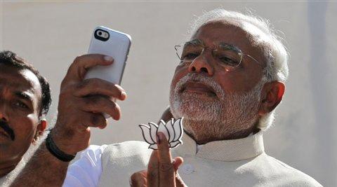 narendra modi taking selfie pose at Ahmedabad