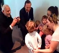 PM_Modi_Abbott_kids