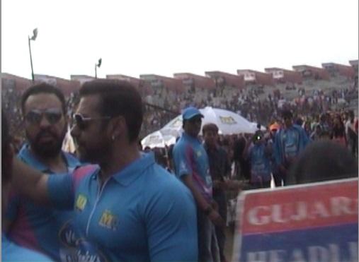 Diwali 2012 Special: Salman Khan, Shahrukh Khan, Aamir ...