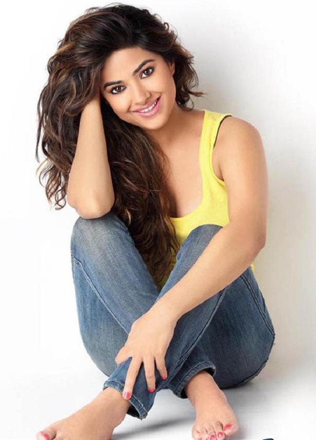 Meerra Chopra 3