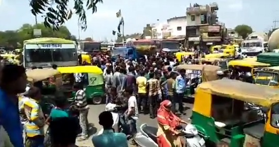 Auto driver beaten by police in Sarkhej