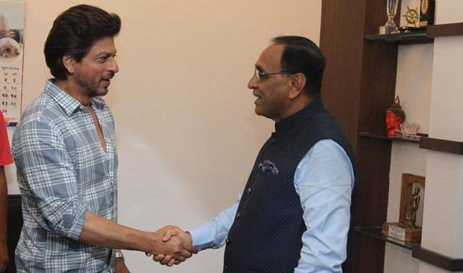 Shahrukh Khan met Gujarat CM