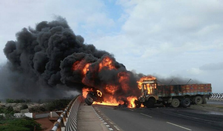 bhachau accident and fire