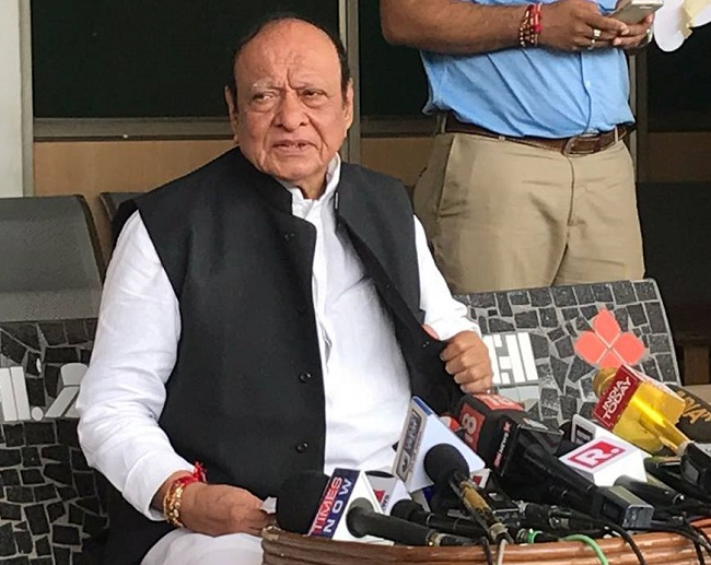 shankersinh vaghela warns on personal attack