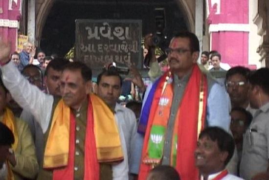 vijay rupani dakor temple