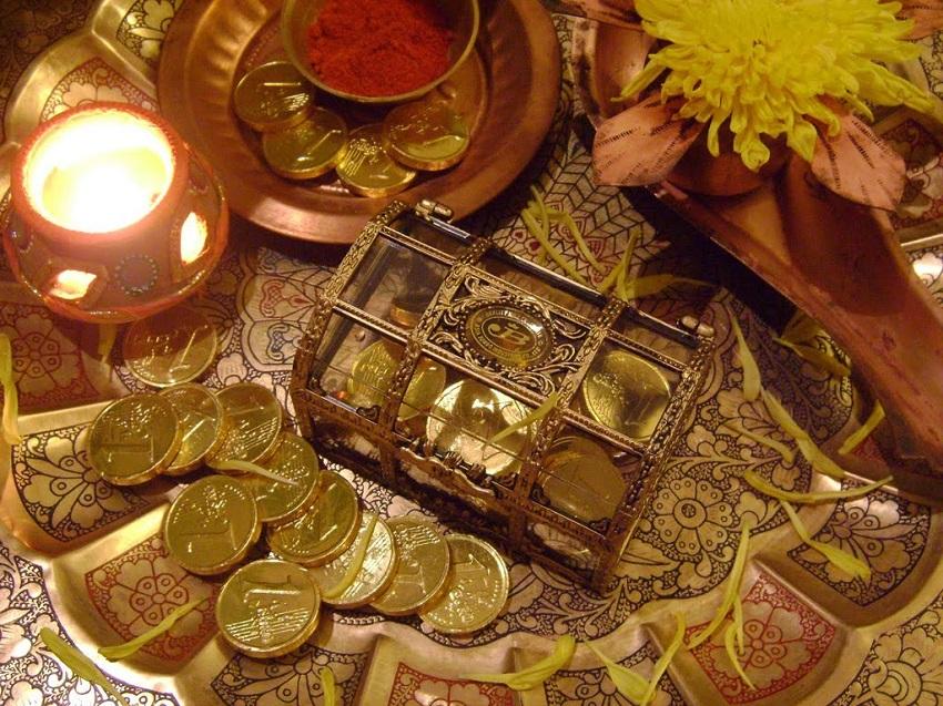 Goddess Lakshmi worshipped on Dhanteras