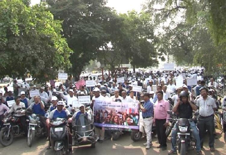 ahmedabad teachers bike rally on voter awareness campaign