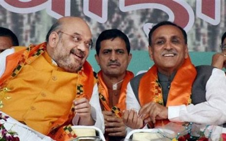 amit shah meets vijay rupani over ticket to candidates