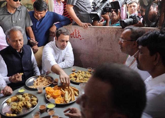 Rahul Gandhi eats Fafda Jalebi at Chhala