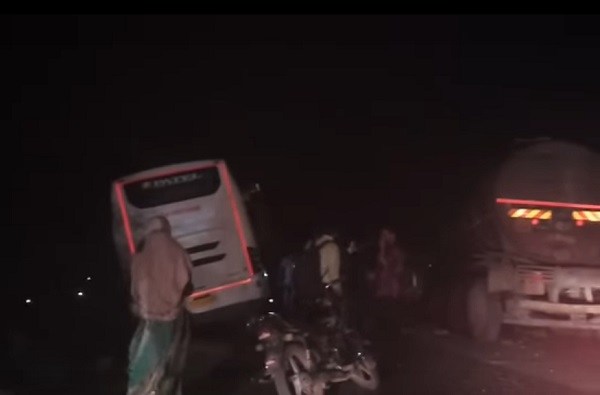 road accident of bus and tanker on ahmedabad rajkot highway