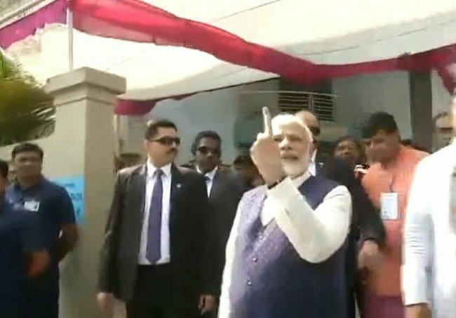 pm modi vote in ahmedabad