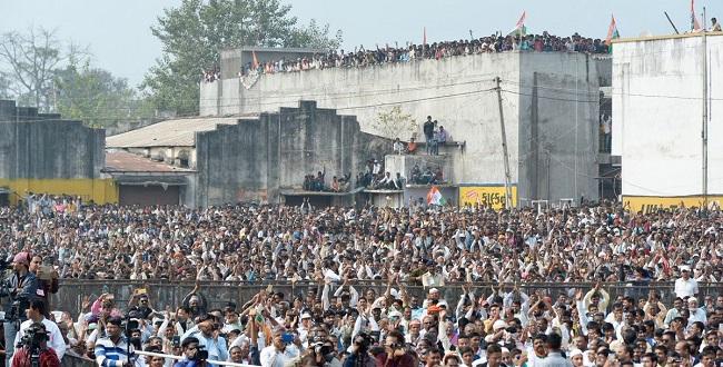 rahul gandhi chhota udepur crowd