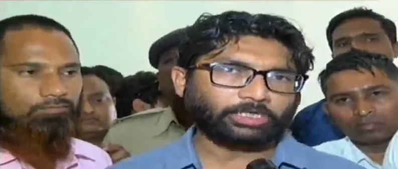 jignesh mevani alleges of rs 2000 cr scam in pmay