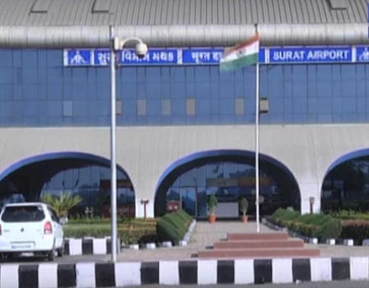surat airport complaint of spicejet passengers