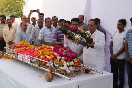 jitubhai hirpara ex mayor junagadh died in car acident
