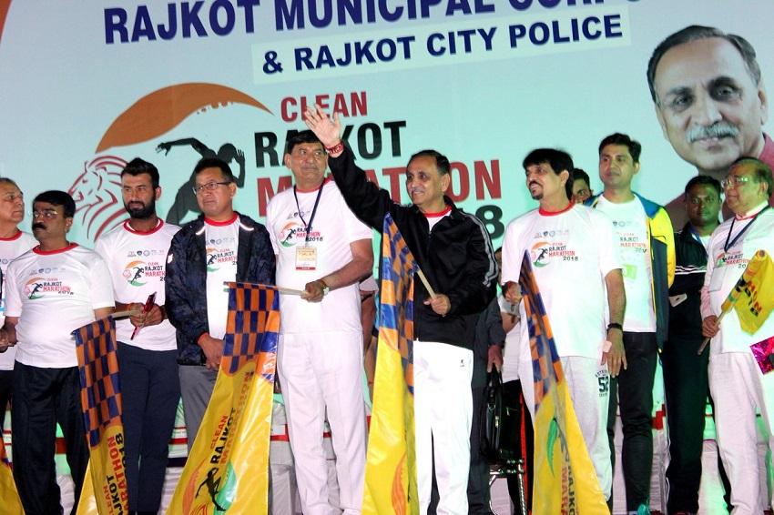 vijay rupani flag off clean rajkot marathon