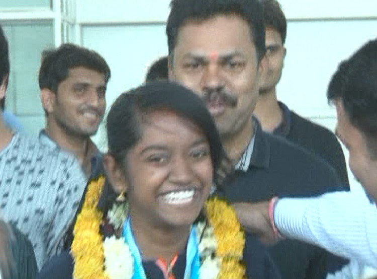 elavenil valarivan returns to ahmedabad with gold at issf junior world cup australia