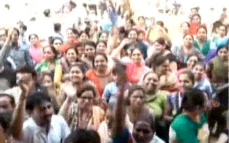 parents protest in ahmedabad