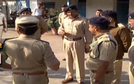 police raid on liquor den in kubernagar chharanagar