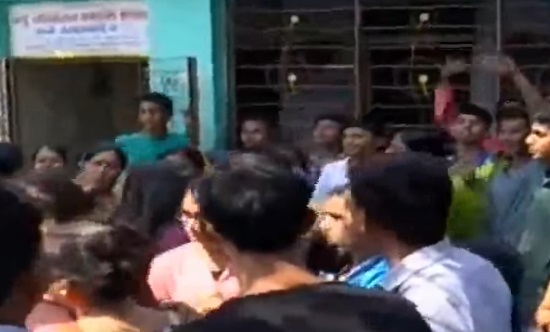 puzzled students parents of new navchetna school