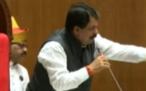 rajendra trivedi in gujarat assembly as a speaker