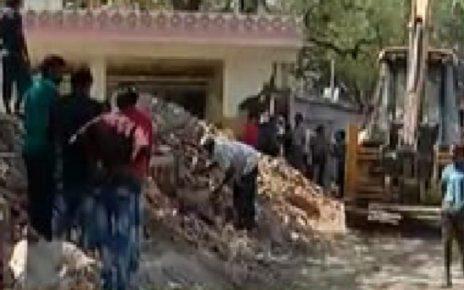 vastrapur 125 illegal shops demolished by amc