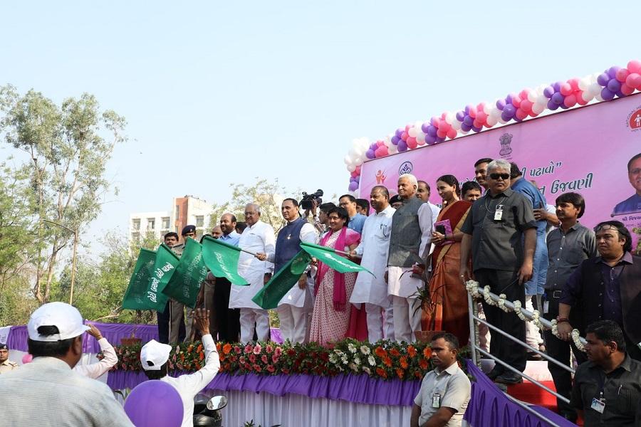 vijay rupani flag off women's rally