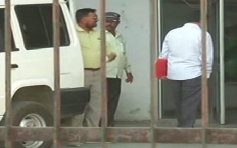 acb caught corrupt officer of gsldc