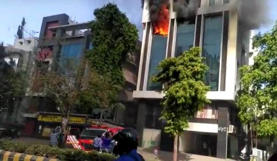 ahmedabad big fire in navrangpura at vivan flat