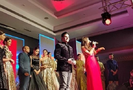 arbaaz khan in ahmedabad dancing at fashion show