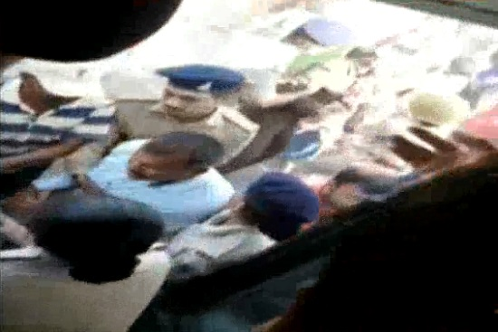 bhavnagar farmers detained by police