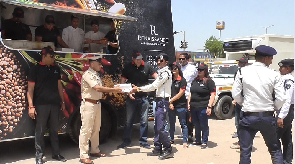 mobile food truck by renaissance hotel in ahmedabad