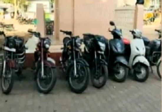 8 activa stolen from show room in krishnanagar