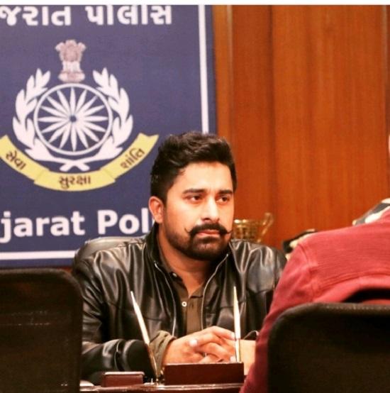 Rannvijay Singha plays cop