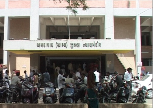 ahmedabad lawyers to keep away from work due to hot summer