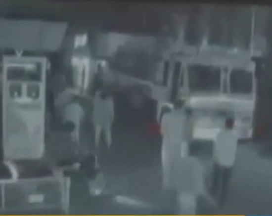 anti socials at amraiwadi petrol pump