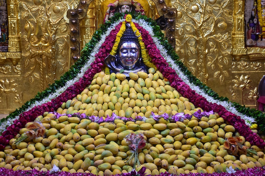 somnath mahadev offered with mango