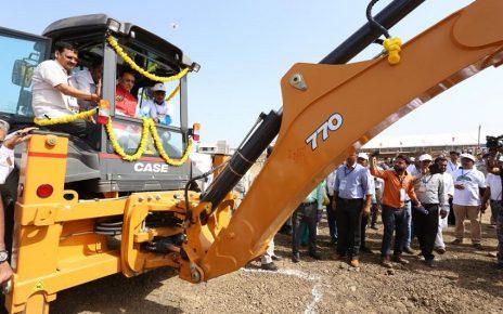 vijay rupani on tractor at gujarat foundation day