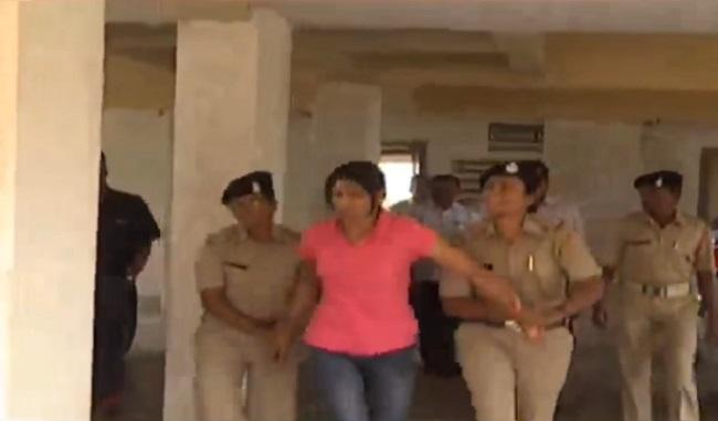 pm awas yojna scandal lady from ngo arrested
