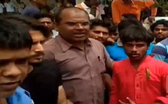 valsad man arrested and beaten for molesting women