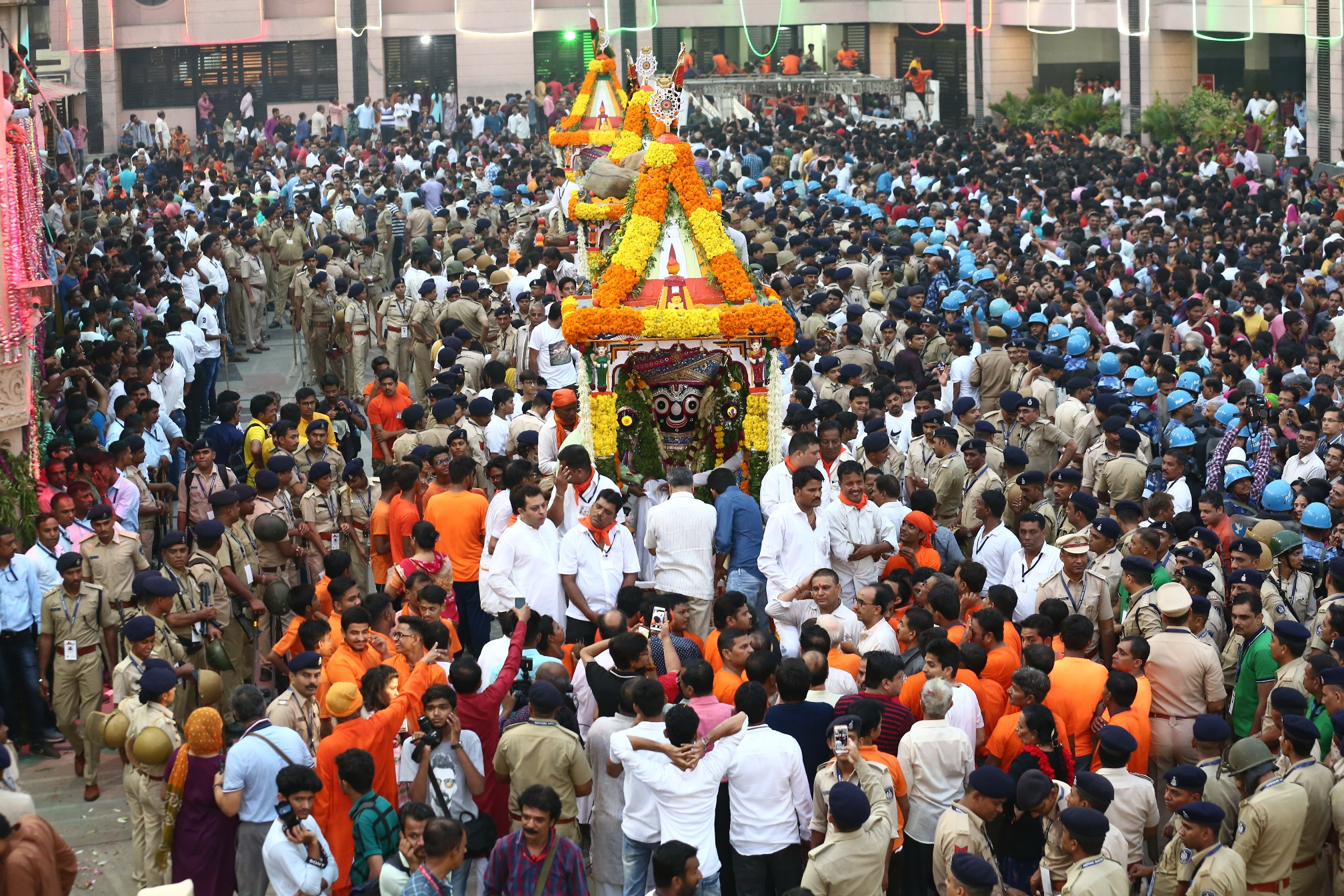 rath yatra chariots