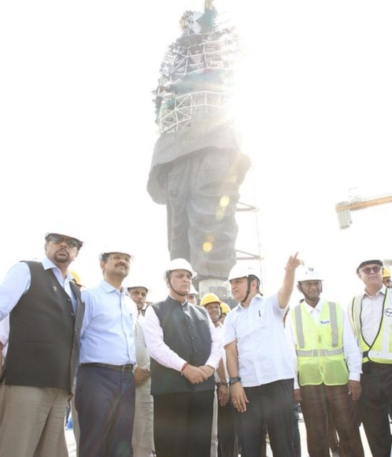 rupani inspect progess of statue of unity