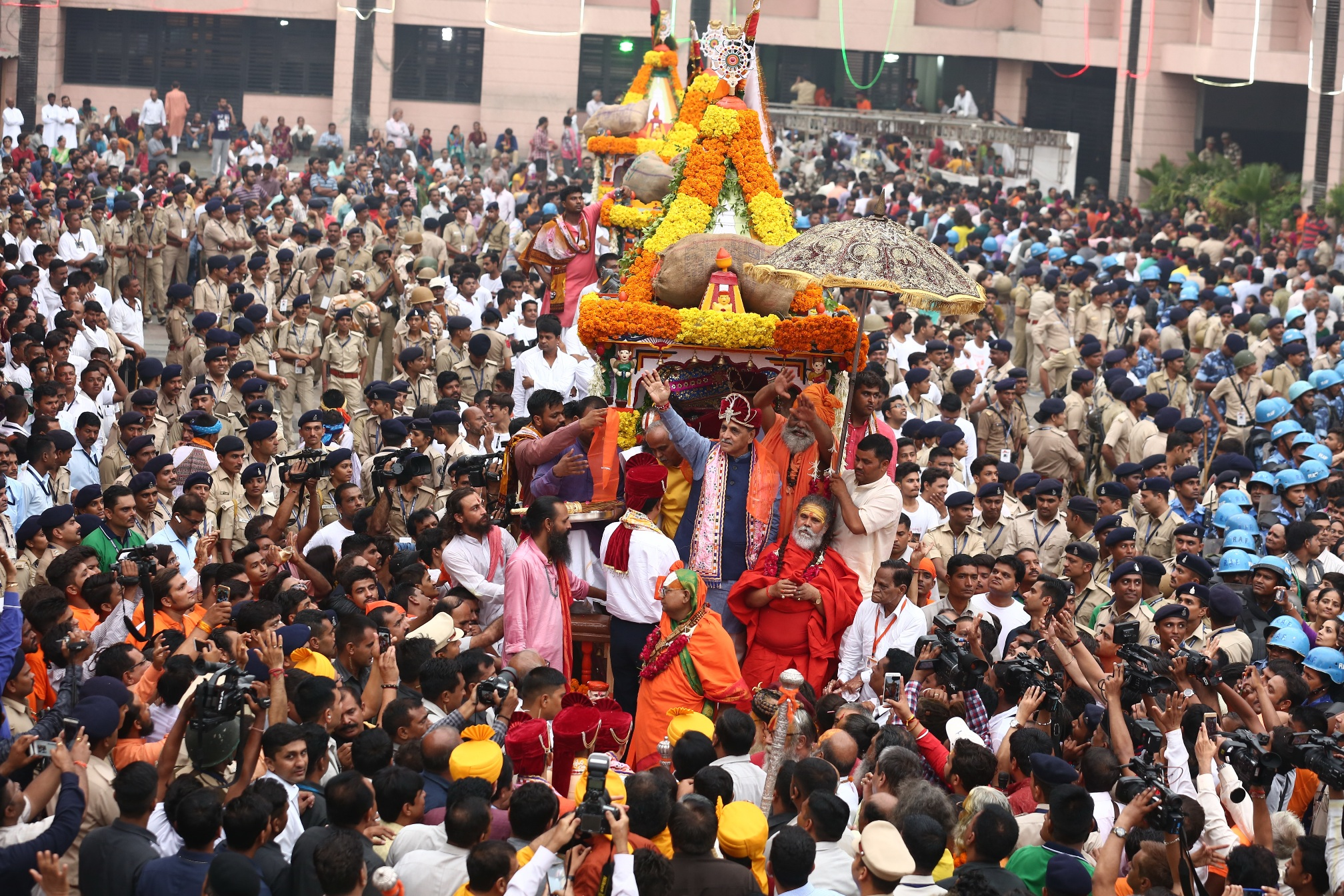 rupani waives at rath yatra