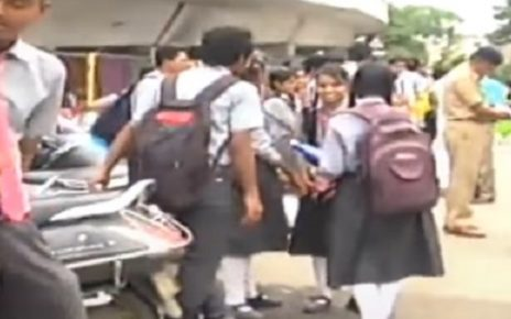 ahmedabad traffic police detain teenagers 2 wheelers